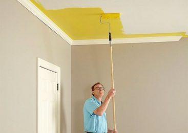 Как качественно покрасить потолок своими руками