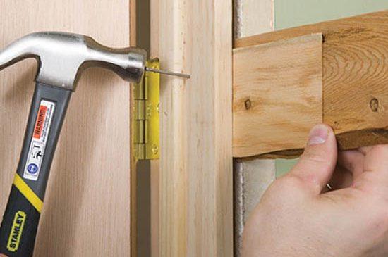 Как поменять межкомнатные двери: ремонт своими руками